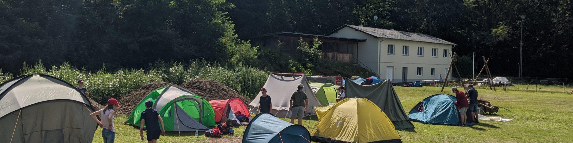 Hollabrunner-Heim-mit Zelten